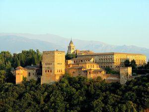 800px-Vista_de_la_Alhambra