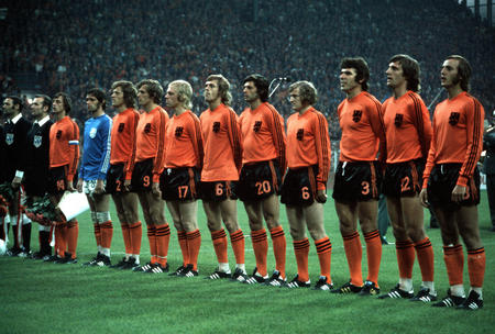 Football. 1974  World Cup Finals. Holland team group: l-r, Cruyff, Jongbloed, Haan, Keizer, Rijsbergen, Rep, Suurbier, Jansen, Hanegem, Krol, Neeskens.